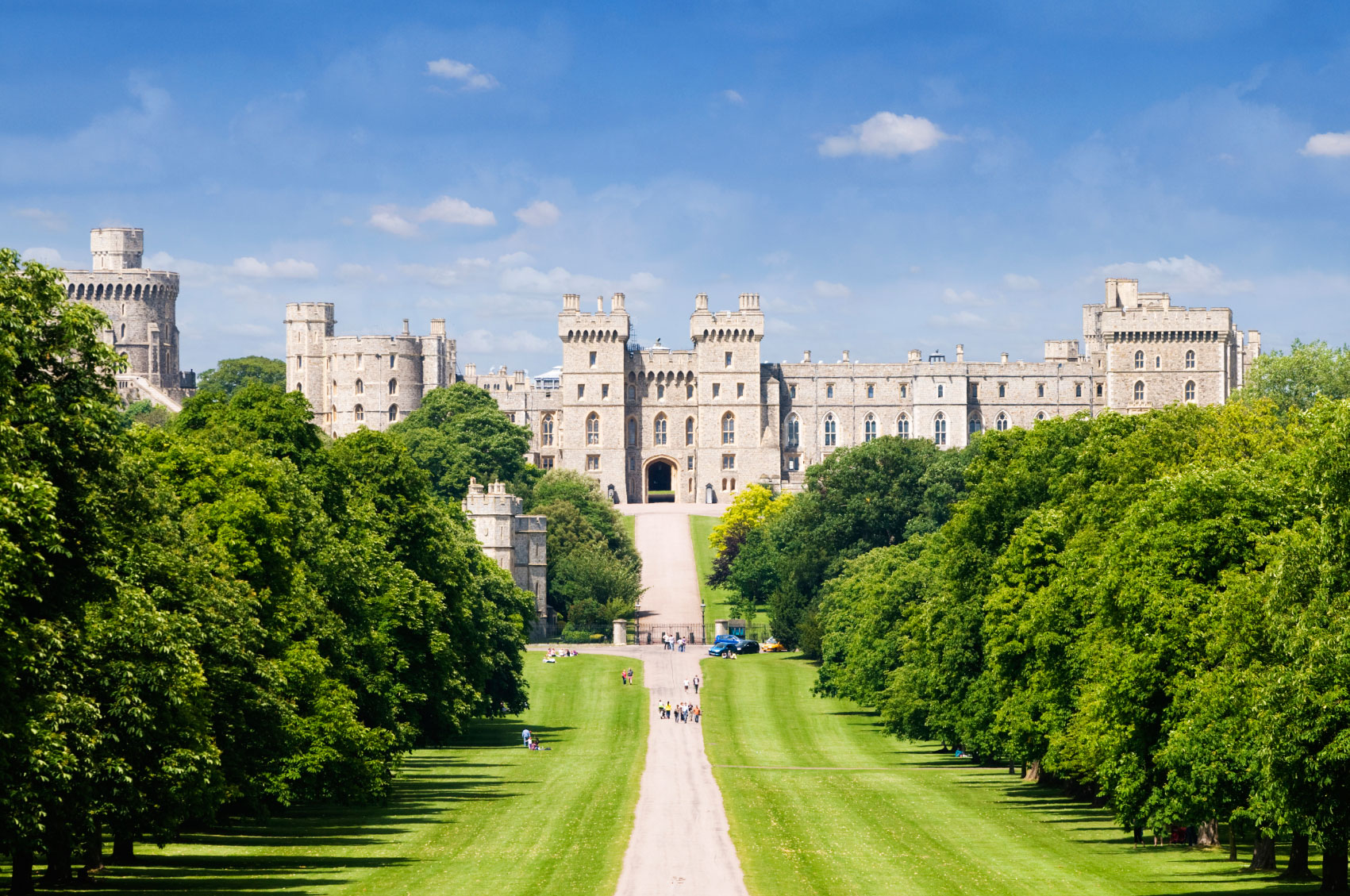 Windsor Castle, Stonehenge & Bath Tour – England