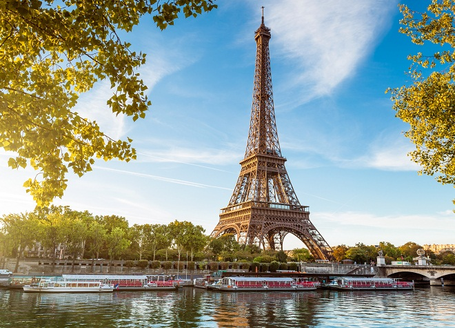 Paris (France) Day Tour from London – Guided sightseeing