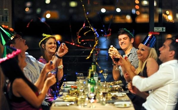 New Year Dinner Cruises On The Thames In London British